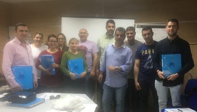 Profesor Francisco Sanz Carmona, y los asistentes al curso.